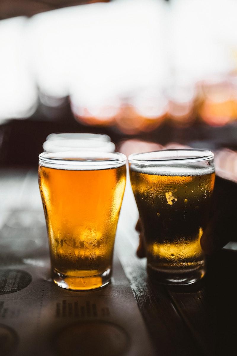 Ölglas med riktigt kall öl