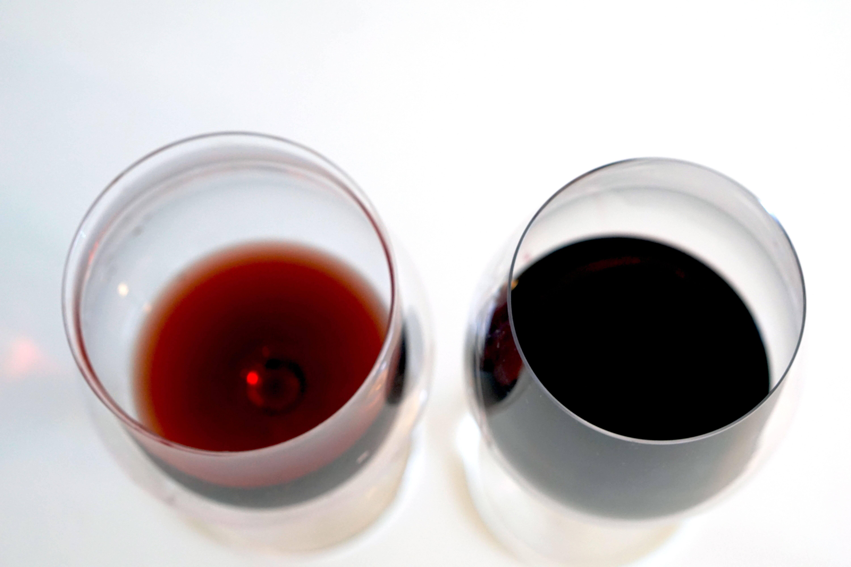 Två glas rött vin